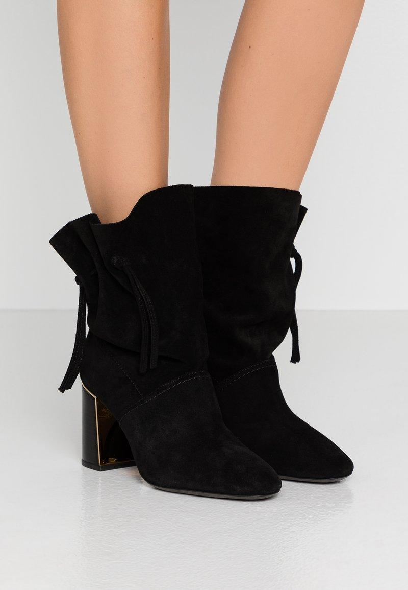 Tory Burch - GIGI BOOTIE - High Heel Stiefelette - perfect black