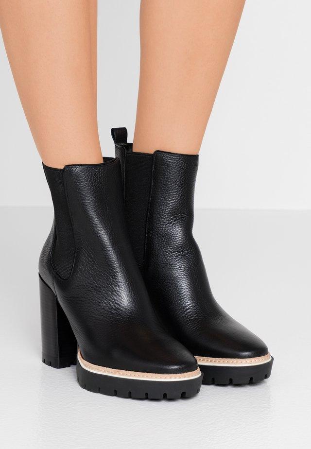MILLER  BOOTIE - High Heel Stiefelette - perfect black