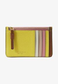 Tory Burch - PERRY COLOR BLOCK TOP ZIP CARD CASE - Peněženka - goan sand/electric yellow/pink city - 1