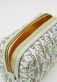 Tory Burch - PERRY PRINTED SMALL COSMETIC CASE - Trousse - green - 4
