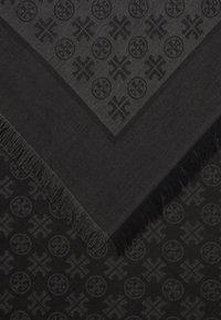 Tory Burch - LOGO TRAVELER SCARF - Chusta - black - 2