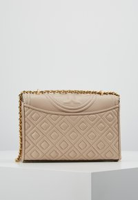 Tory Burch - FLEMING SMALL CONVERTIBLE SHOULDER BAG - Borsa a tracolla - light taupe - 2