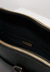 Tory Burch - ROBINSON DOUBLE-ZIP TOTE - Handbag - black / royal navy - 5