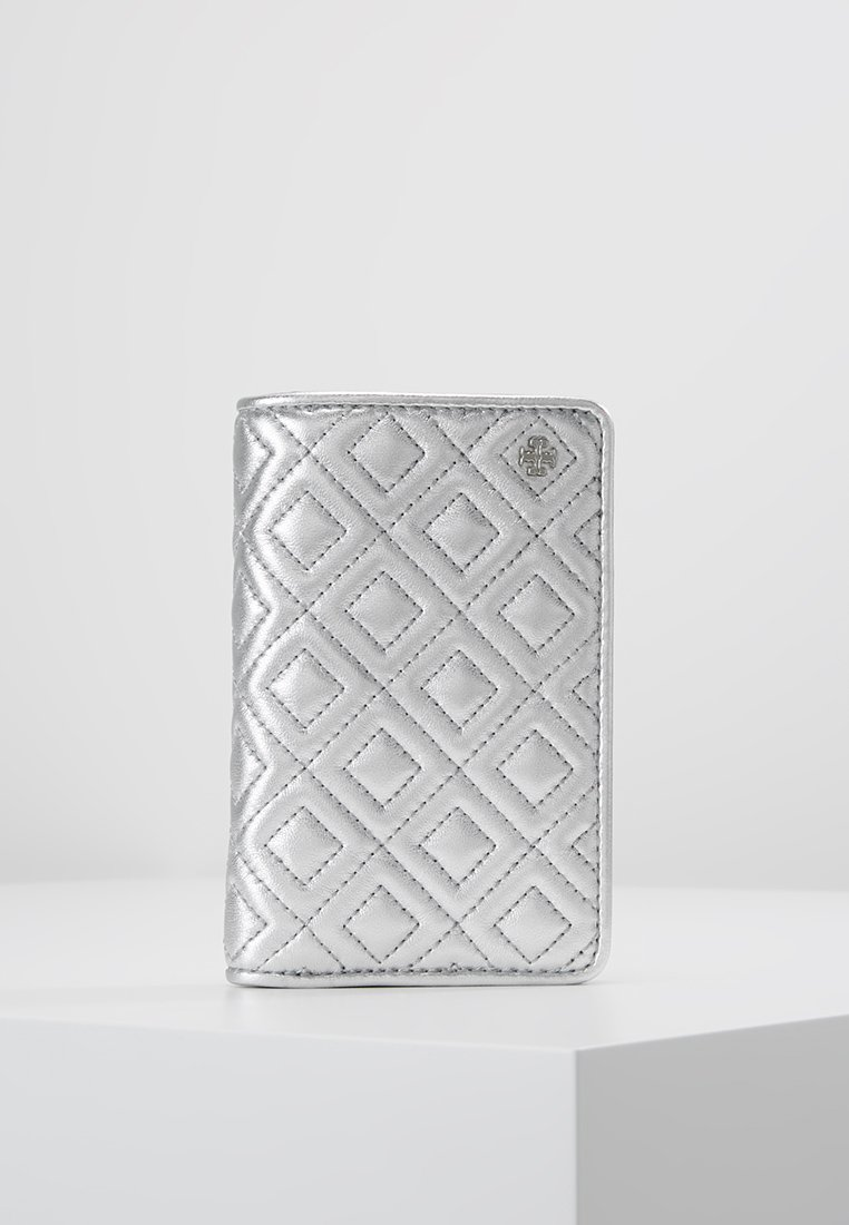 Tory Burch - FLEMING METALLIC SLIM MEDIUM WALLET - Portemonnee - silver