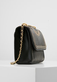 Tory Burch - FLEMING MINI STUD SMALL CONVERTIBLE SHOULDER BAG - Torba na ramię - black - 3