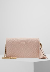 Tory Burch - FLEMING FLAT  CROSSBODY - Portemonnee - shell pink - 0