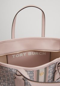 Tory Burch - GEMINI LINK SMALL TOTE - Torebka - coastal pink - 4