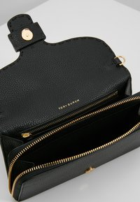 Tory Burch - MCGRAW CROSS BODY - Borsa a tracolla - black - 4