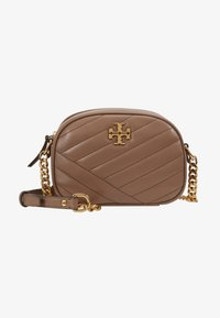 Tory Burch - KIRA CHEVRON SMALL CAMERA BAG - Skulderveske - classic taupe - 5