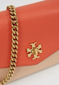 Tory Burch - KIRA COLOR BLOCK MINI BAG - Across body bag - lava - 5