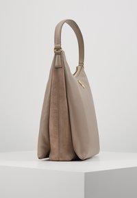 Tory Burch - KIRA MIXED - Bolso de mano - gray heron - 3