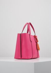Tory Burch - PERRY SMALL TRIPLE COMPARTMENT TOTE - Bolso de mano - crazy pink - 3