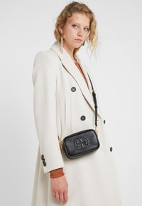 Tory Burch - PERRY BOMB MINI BAG - Across body bag - black - 1