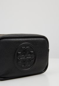 Tory Burch - PERRY BOMB MINI BAG - Across body bag - black - 6