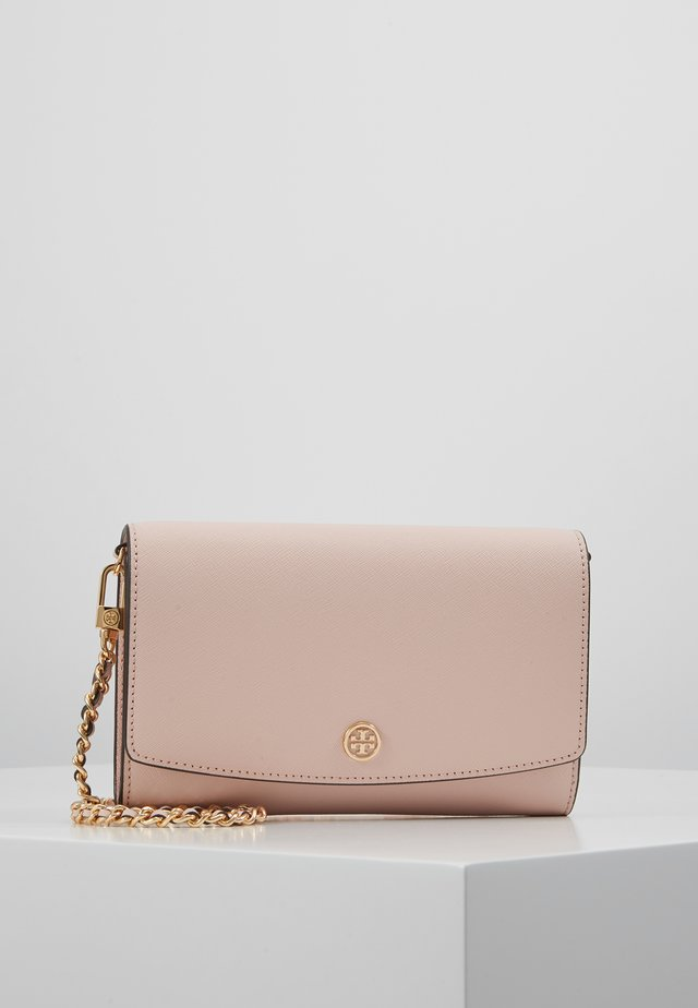 ROBINSON CHAIN WALLET - Clutch - shell pink