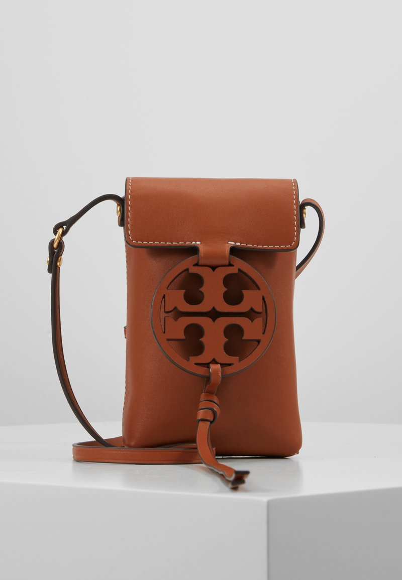 Tory Burch - MILLER PHONE CROSSBODY - Bandolera - aged camello