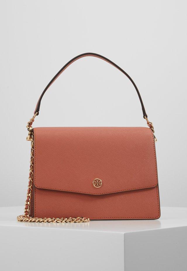 ROBINSON CONVERTIBLE SHOULDER BAG - Handbag - tramonto