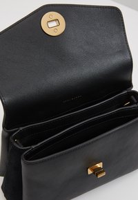 Tory Burch - KIRA MIXED MATERIALS MINI BAG - Bandolera - black - 4