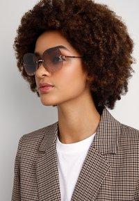 Tory Burch - Okulary przeciwsłoneczne - rose gold-coloured - 1