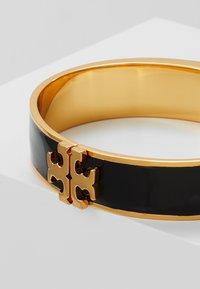Tory Burch - RAISED LOGO THIN HINGED BRACELET - Náramek - black/gold-coloured - 4