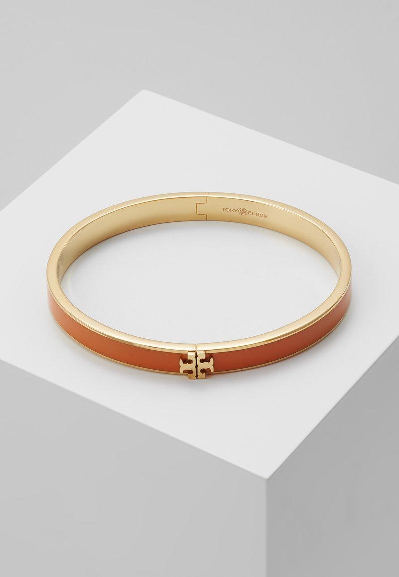 Tory Burch - KIRA HINGED BRACELET - Armband - gold-coloured/orange