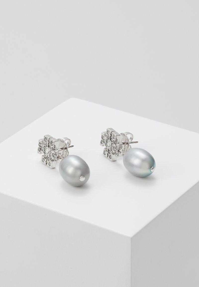 Tory Burch - KIRA PAVE PEARL DROP EARRING - Náušnice - tory silver-coloured