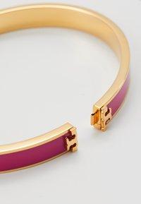 Tory Burch - KIRA BRACELET - Armband - gold-coloured/crazy pink - 4