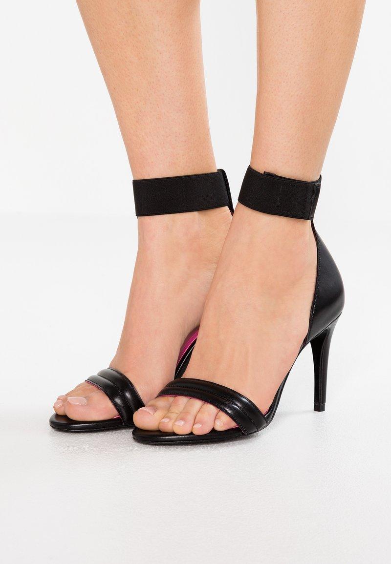 Trussardi Jeans - High Heel Sandalette - black/fucsia