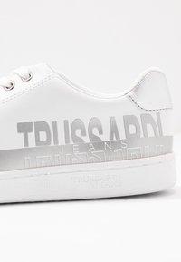 Trussardi Jeans - Sneakers basse - white/silver - 2