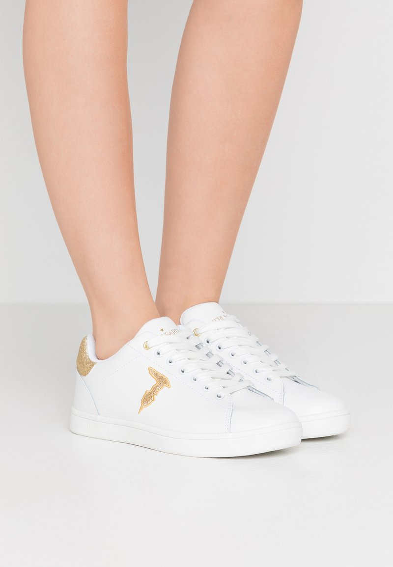 Trussardi Jeans - Trainers - white/gold