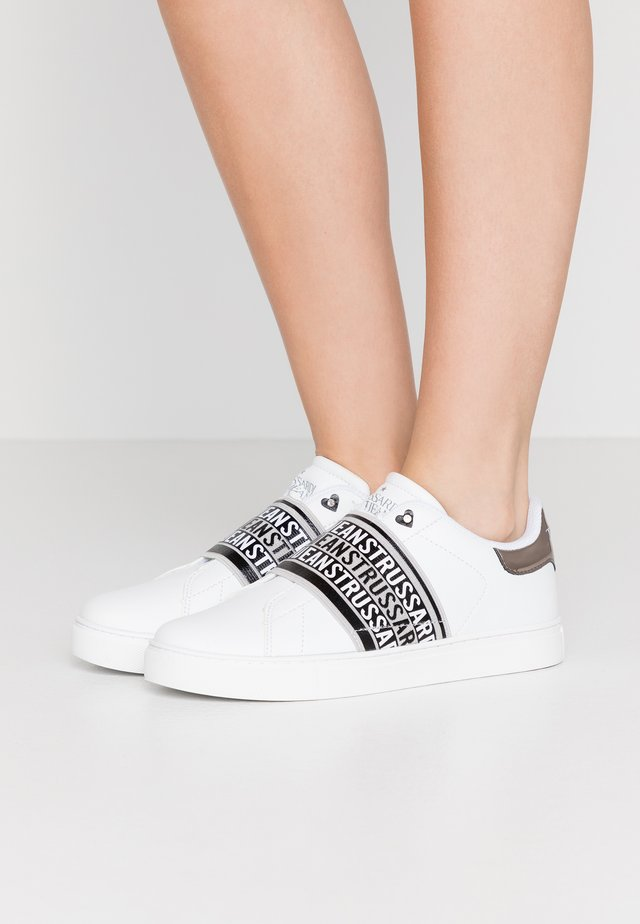 Mocassins - black/white