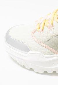 Trussardi Jeans - Sneakers - nude/yellow - 2