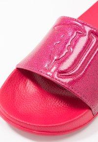 Trussardi Jeans - Pantofle - virtual pink - 2