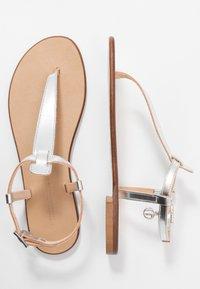 Trussardi Jeans - Sandaler m/ tåsplit - silver - 3
