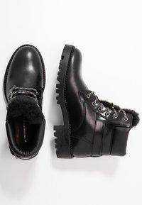 Trussardi Jeans - Stivaletti stringati - black - 3