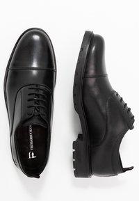 Trussardi Jeans - Zapatos de vestir - black - 1