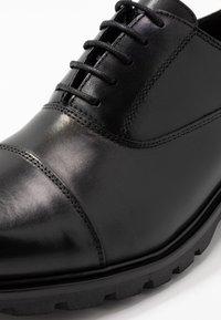 Trussardi Jeans - Zapatos de vestir - black - 5