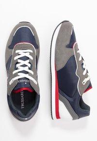 Trussardi Jeans - Tenisky - blue/grey/red - 1