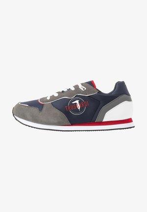 Sneakersy niskie - blue/grey/red