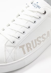 Trussardi Jeans - Trainers - white/blue navy - 5