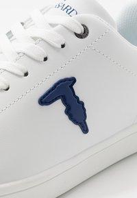 Trussardi Jeans - Tenisky - white/blue navy - 5