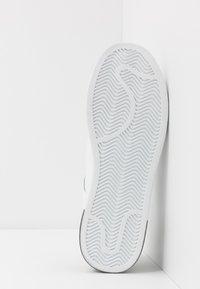 Trussardi Jeans - Baskets basses - white/black - 4