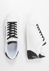 Trussardi Jeans - Baskets basses - white/black - 1