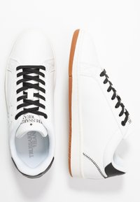Trussardi Jeans - Sneakers - white/black - 1