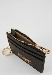 Trussardi Jeans - BELLA ZIP CARD KEYCHAIN SAFFIANO - Geldbörse - black - 5