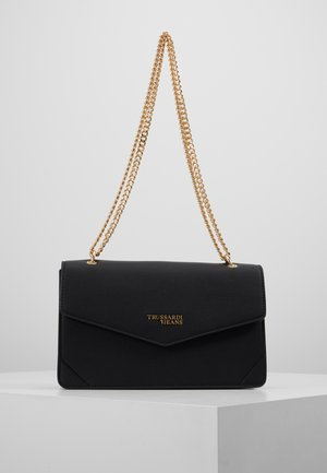 CHARLOTTE CROSS BODY CHAIN TUMBLED - Borsa a mano - black
