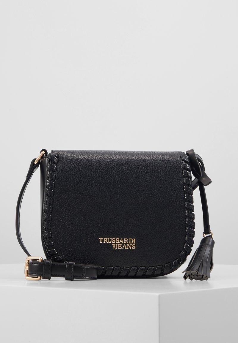 Trussardi Jeans - AMANDA SHOULDER GRAINED AND SMOOTH - Taška spříčným popruhem - black
