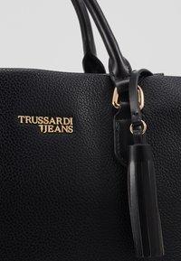 Trussardi Jeans - AMANDA HANDLE - Handtasche - black - 5