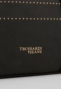 Trussardi Jeans - ANITA  - Kabelka - black - 6