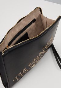 Trussardi Jeans - ELETTRA POUCH STUDS - Clutch - black - 4